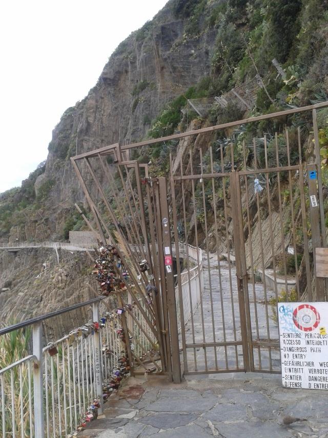 wejście na ścieżkę miłości w Riomaggiore